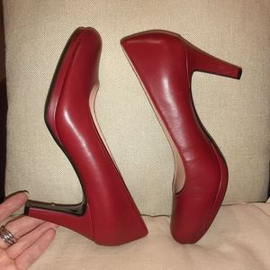 Naturalizer red leather pumps